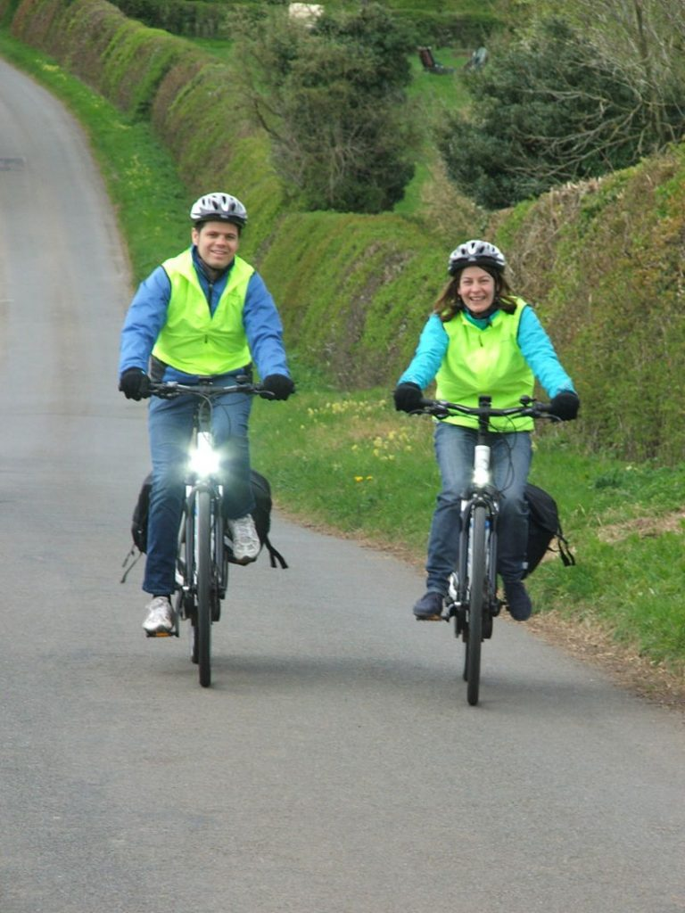 Justin and Lily on a Cotswold e-bike tour