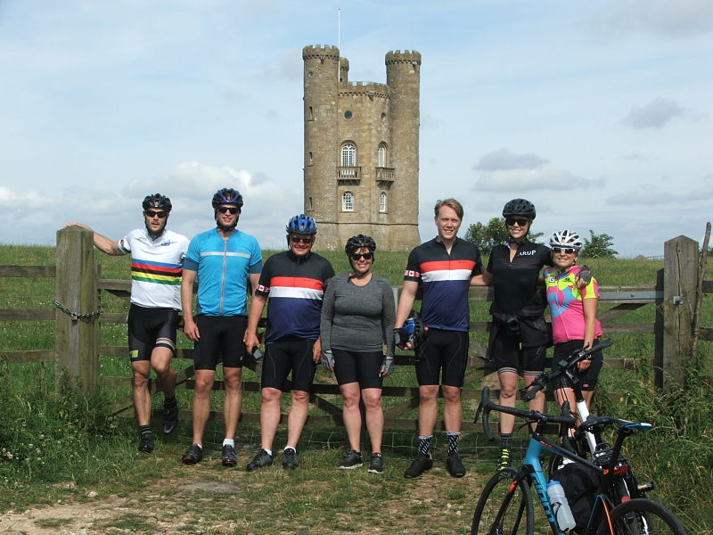 Cotswold e-bike and road bike vacation
